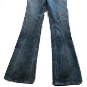 Rock & Republic Jeans - Rock & Republic Jeans Fade Light Flare Distressed
